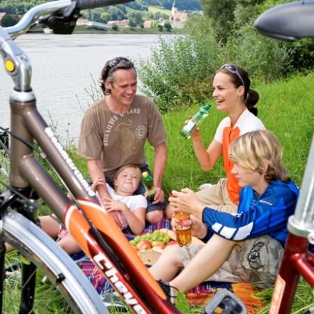 Donauroute met kinderen, familiehotels Donauroute, fietsvakantie met kinderen, Donauroute, fietsreis met kinderen