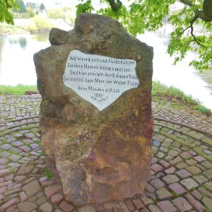 Gedenksteen Fulda Werra - Fietsen Weserradweg