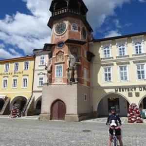 Raadhuis Hostinné - fietsreis langs de Elbe