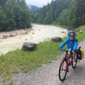 Fietsen met kinderen in de Alpen - Tauern - Salzach rivier
