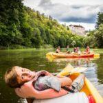 Sazava rivier kanoën Tsjechië - fietsvakantie Praag - Wenen met kinderen