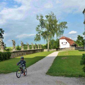 Fietsen met kinderen vanaf de bron van de Elbe