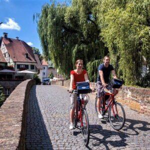 Ulm Fischerviertel fietsen langs de Donau vanaf bron