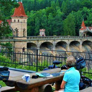 Fietsen langs de Elbe vanaf de bron - stuwdam Bila Tremesna