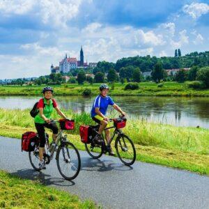 Fietsen langs de Elbe